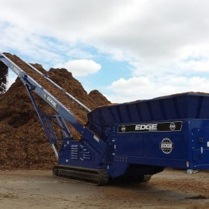 EDGE FEEDER TRACK MULCH STOCKPILER